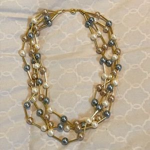 Jewelry - Pearl layered Necklace